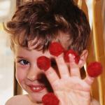 Max raspberry fingers